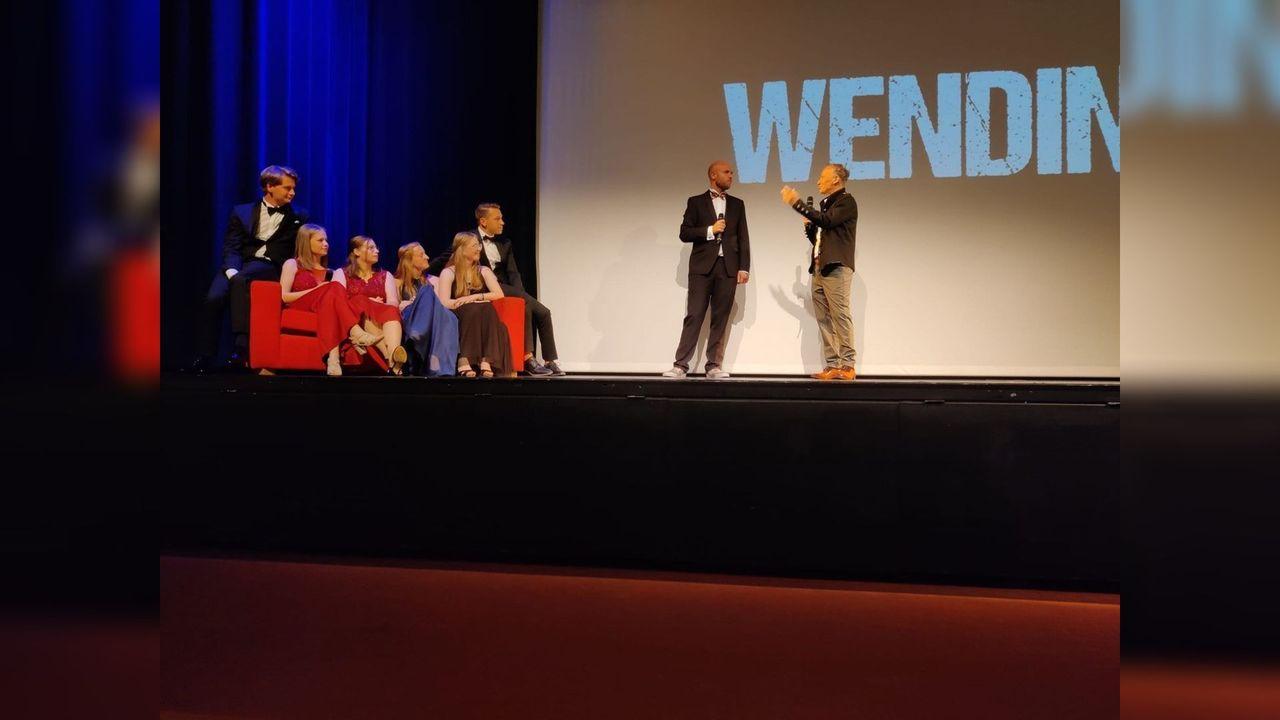 Publiek stil na Somerense première Wending