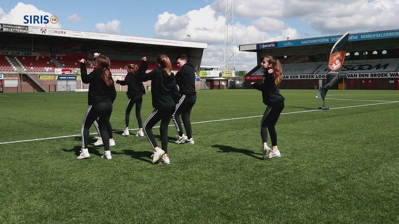 Afsluiting van Scoor een Boek! in stadion Helmond Sport